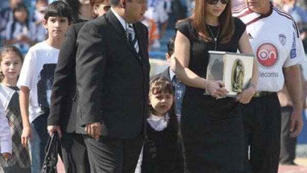 Ante más de 15 mil aficionados se llevó a cabo la misa del último adiós a Antonio de Nigris en el Estadio Tecnológico.