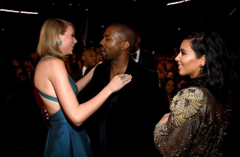 Kim y Kanye se acercaron cariñosamente a saludar a Taylor.