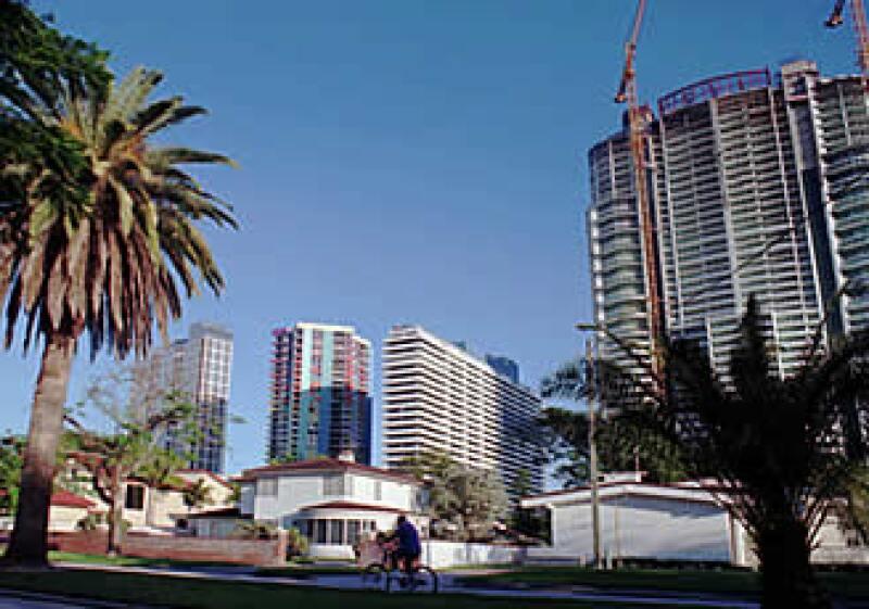 Los precios de los bienes raíces en Miami están entre los más golpeados por la crisis. (Foto: AP)