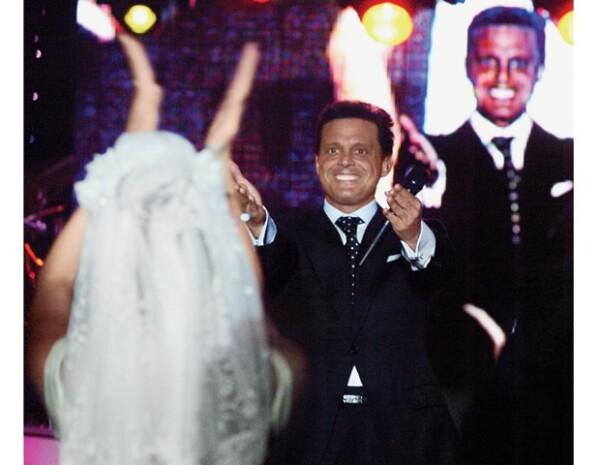 Mara Hank tuvo una gran sorpresa el día de su boda, escuchar en vivo a Luis Miguel.