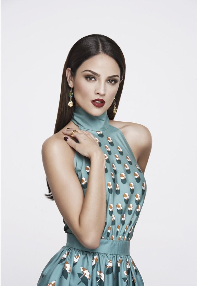 Eiza González posó guapa y seria en la más reciente edición de Quién®.