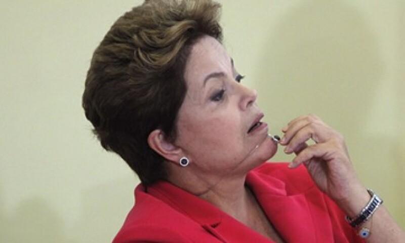 A pesar de que Brasil registró un menor crecimiento económico, su presidenta, Dilma Rousseff, asegura que el país no tiene los graves problemas que Europa. (Foto: Reuters)