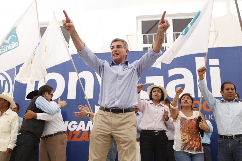 Antonio Gali y Blanca Alcalá se perfilan a ser los principales contendientes por la gubernatura de Puebla. (Foto: Especial )