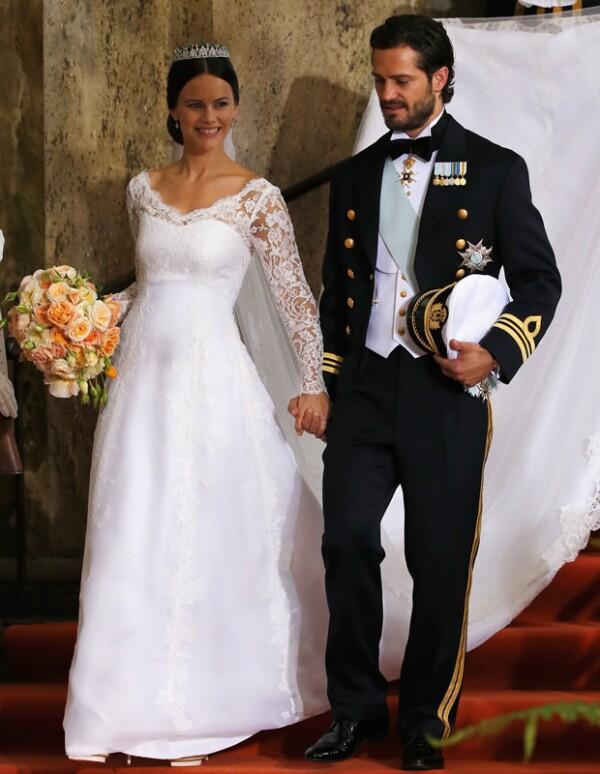 Los reyes Carlos Gustavo y Silvia regalaron a su nuera una tiara.
