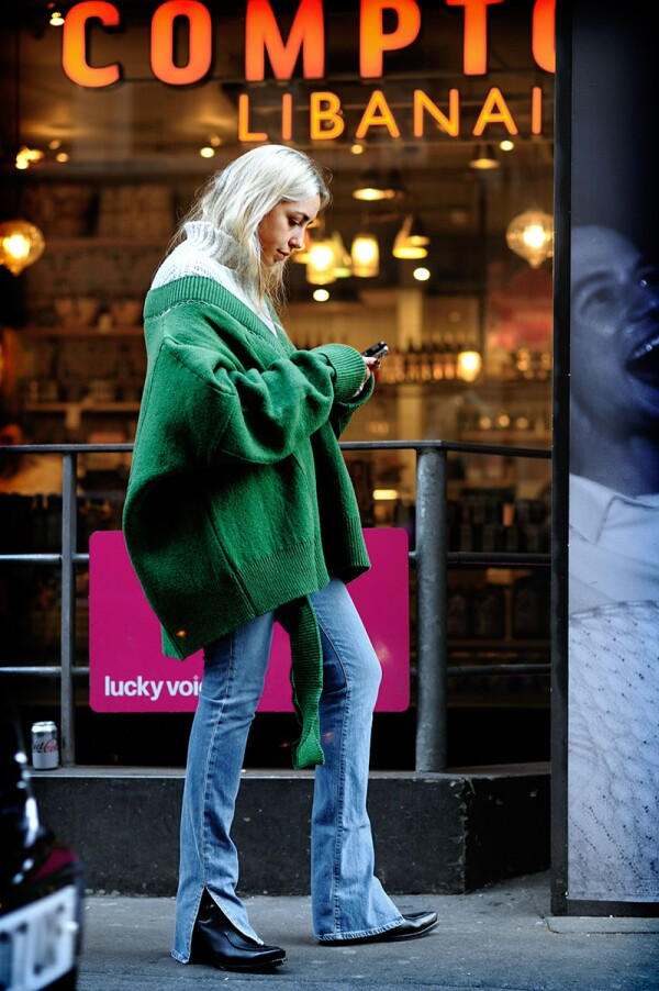 Street Style, Fall Winter 2018, London Fashion Week, UK - 17 Feb 2018