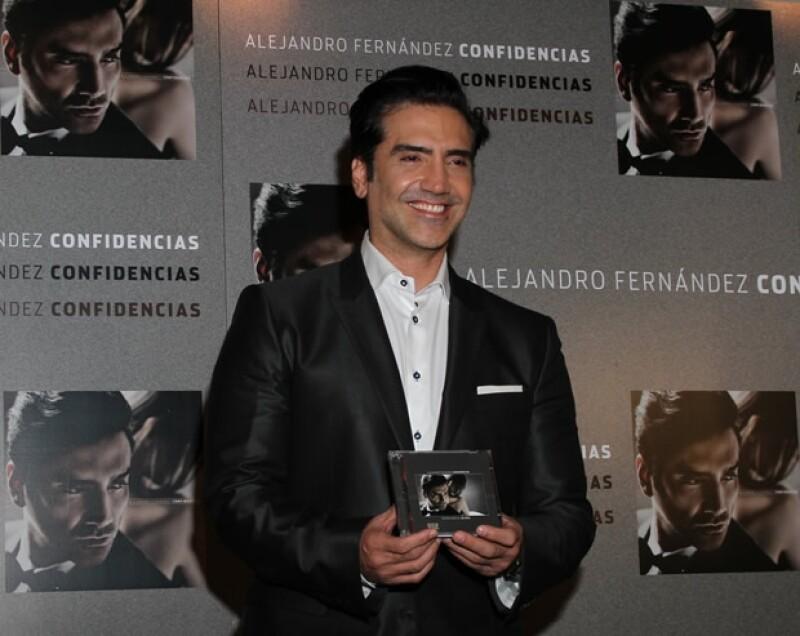 Alejandro Fernández tiene 42 años.