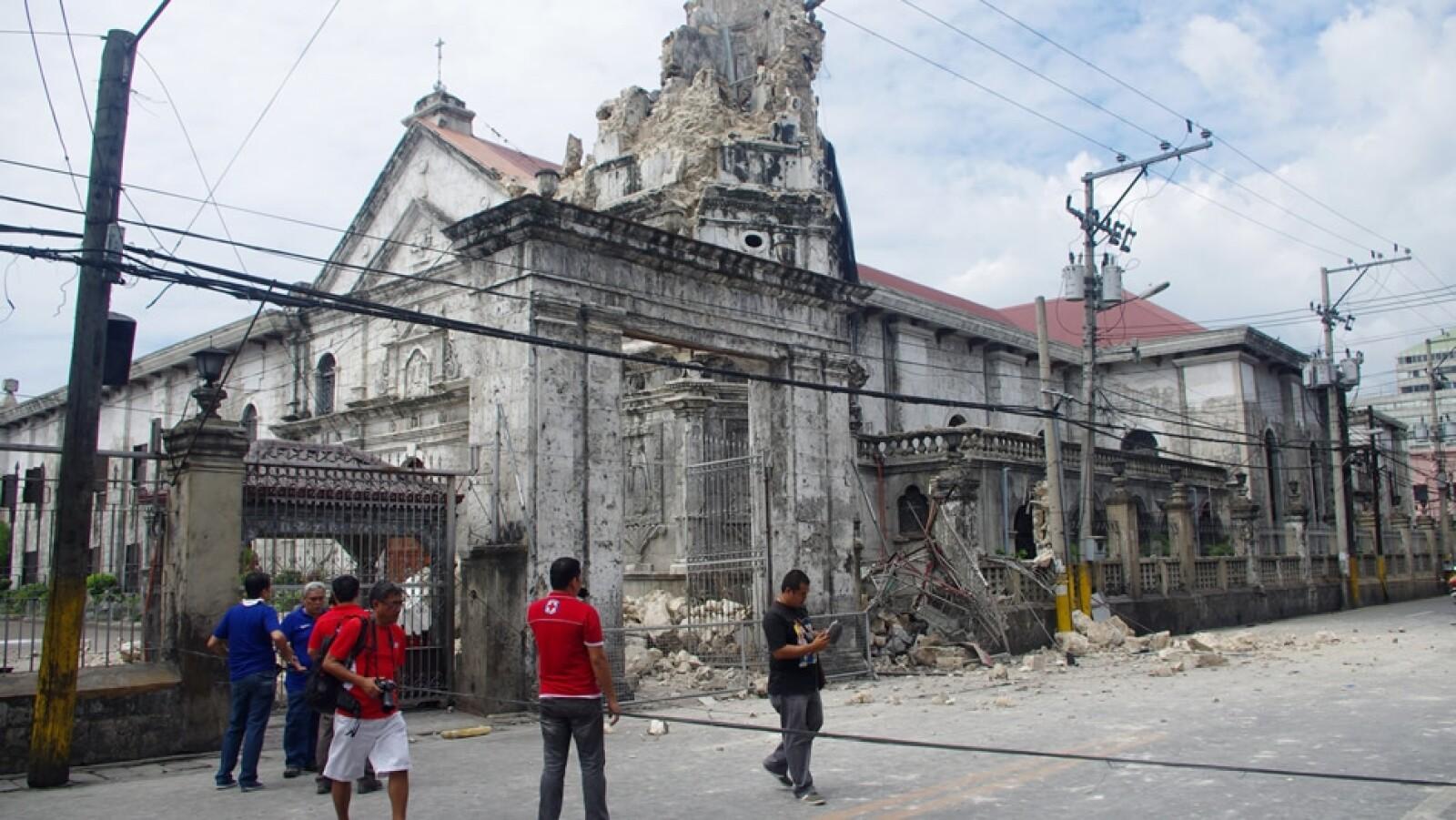ruinas de la catedral de filipinas