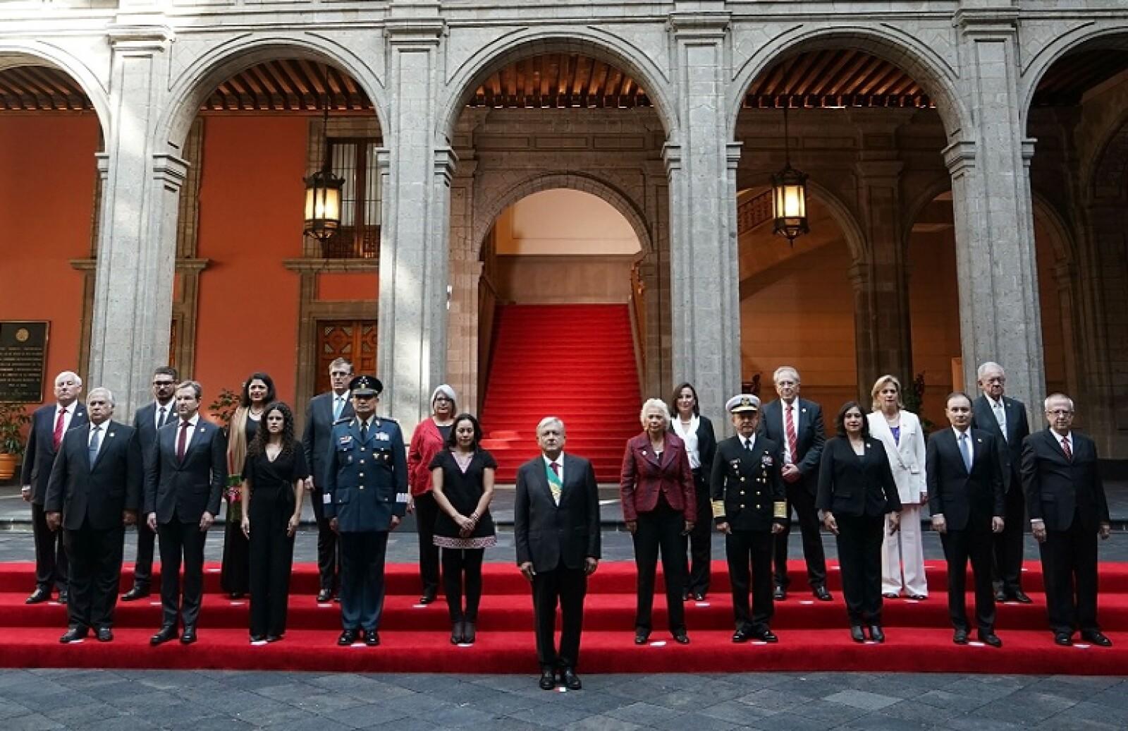El 1 de diciembre, el presidente Andrés Manuel López Obrador tomó protesta a su gabinete