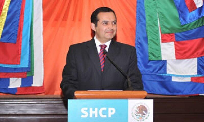 El secretario de Hacienda, Ernesto Cordero, enfrentará una fuerte oposición en el Congreso al negociar el Presupuesto de 2012. (Foto: Notimex)