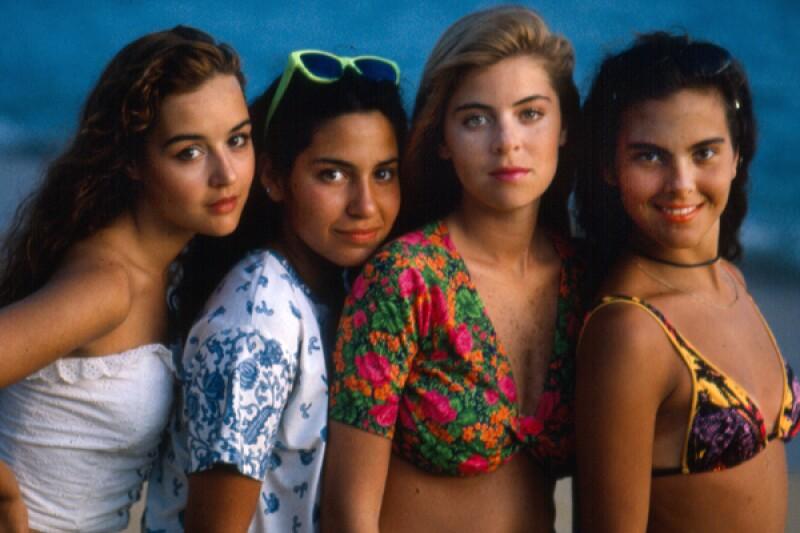 Kate (derecha) junto al elenco principal de Muchachitas.