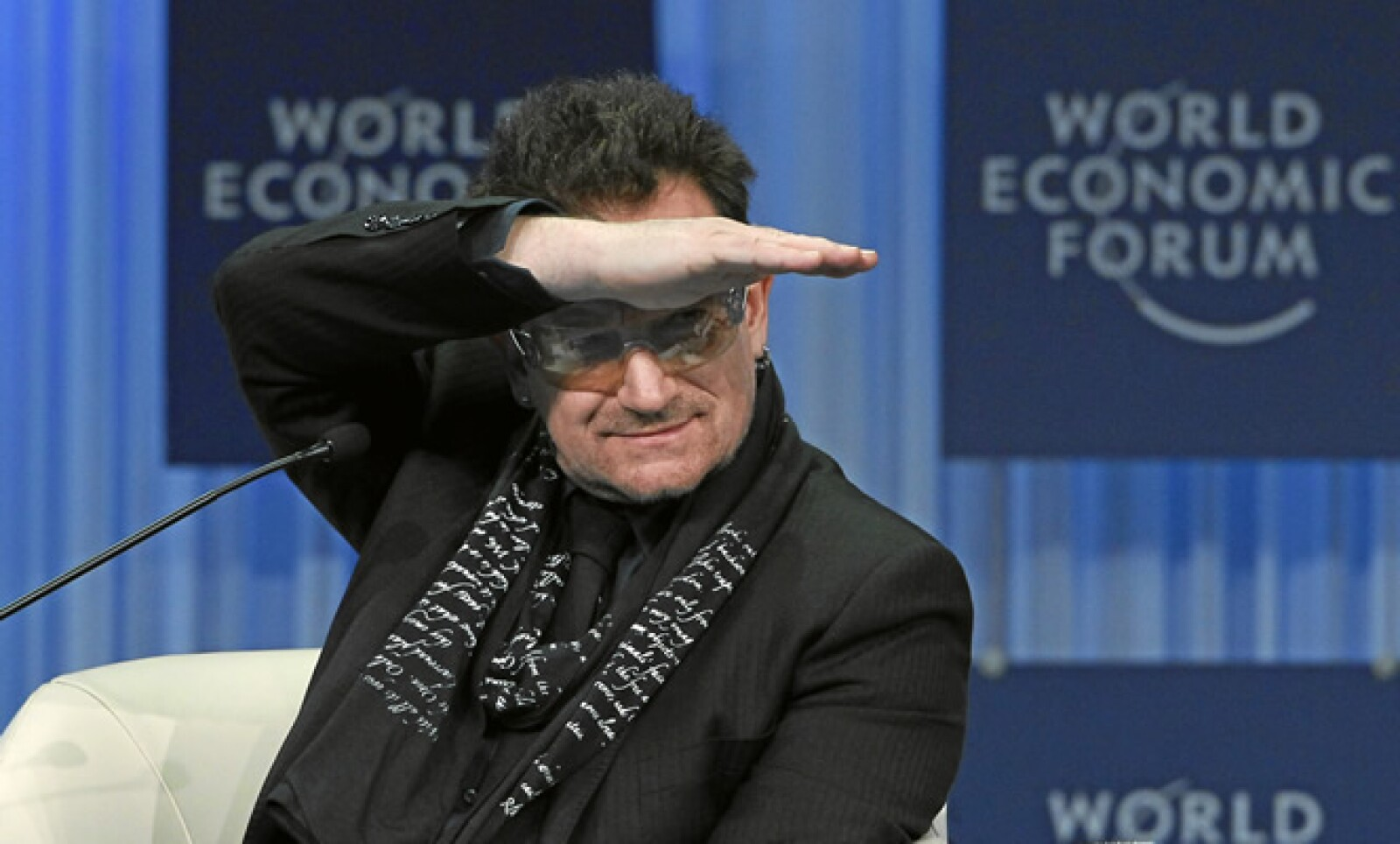 El vocalista de U2 es cofundador de la campaña ONE, que lucha contra la pobreza extrema y enfermedades prevenibles.