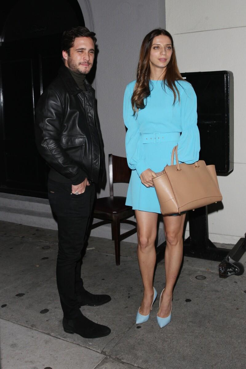 Diego Boneta y Angela Si