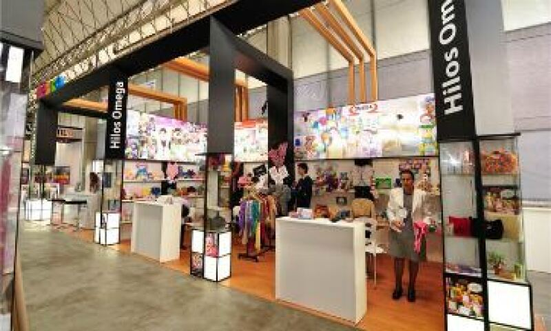 Pabellón de Proméxico en Colombiatex 2012, los mexicanos esperan vender al menos 30 millones de pesos durante la feria de moda. (Foto: Cortesía Colombiatex)