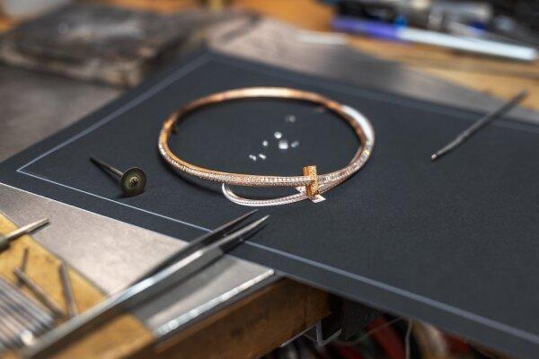T1 HJ Choker_Craftsmanship_Image 3.jpg
