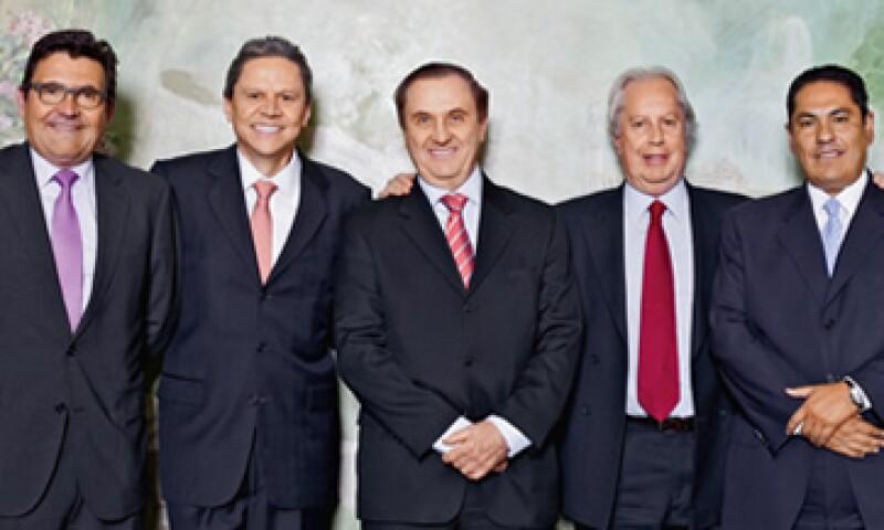 Los ejecutivos de las vivienderas que cotizan en Bolsa posan en el hotel The Pierre de Nueva York. (Foto: Héctor Adalid)