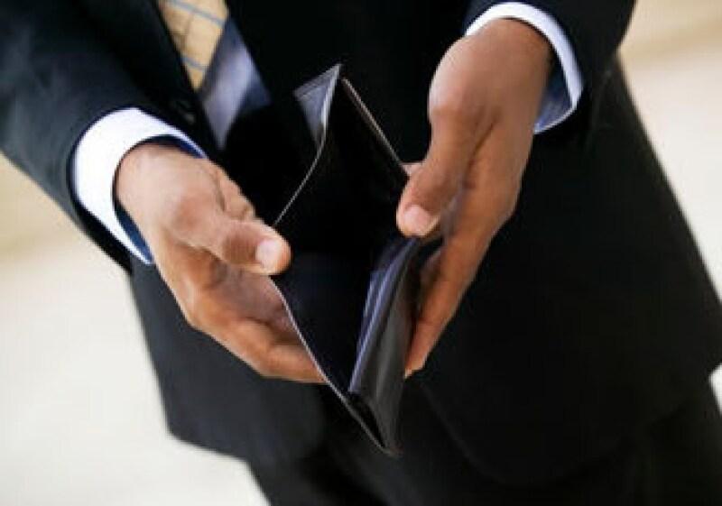 Un programa de eliminación de deudas es fundamental para poner en orden las finanzas. (Foto: Jupiter Images)