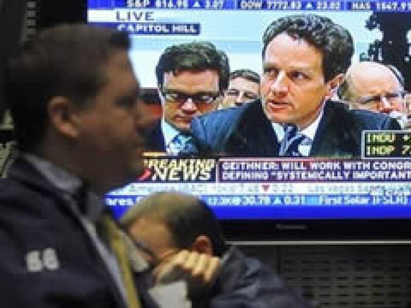 Timothy Geithner dijo que el actual sistema financiero de EU es débil. (Foto: AP)