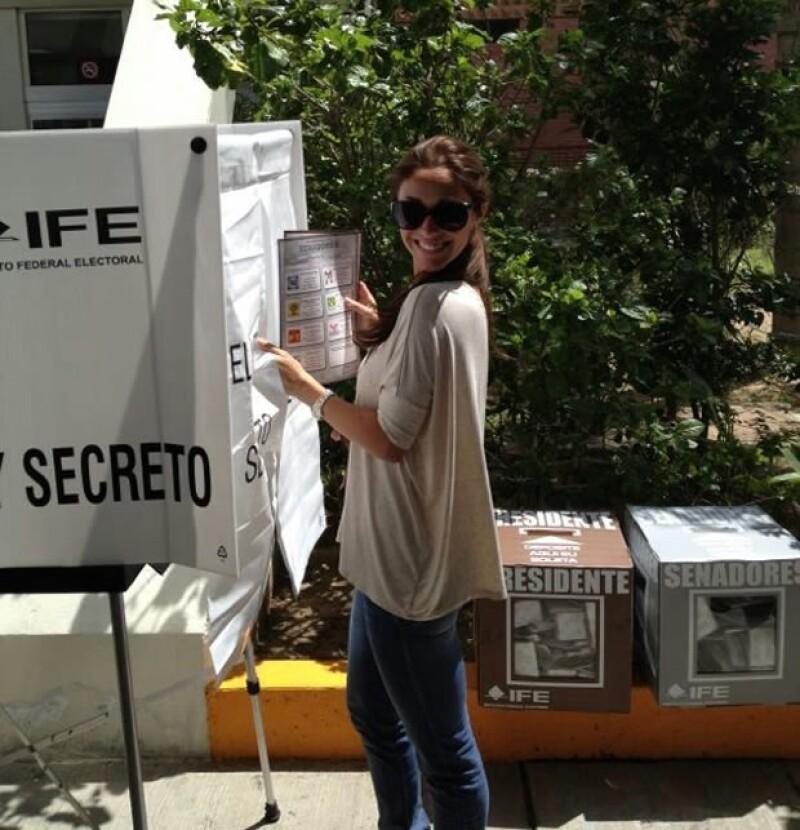 Anahí votó este domingo en Chiapas.