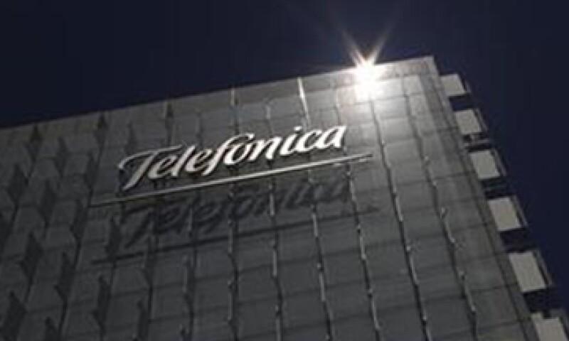 Telefónica dijo que su caída se debe a la devaluación del bolívar y la pérdida en su unidad italiana. (Foto: Reuters)