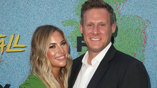 Trevor Engelson y Tracey Kurland