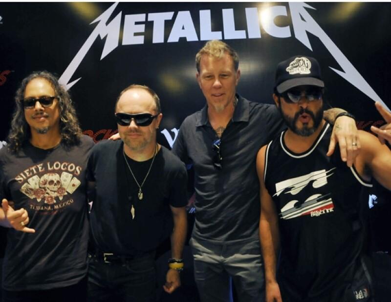 Cliff Burton falleció cuando el autobús de Metallica se volcó en Europa.