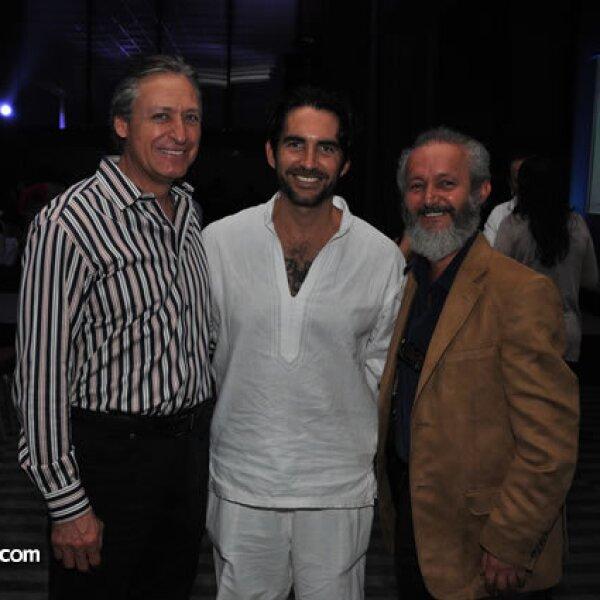 José Ricardo Hernández Iturdibe, Eamonn Sean Kneeland y Luis Lizaldi
