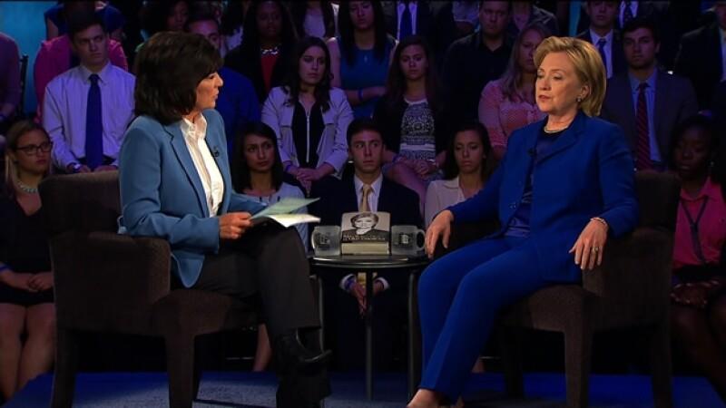 La exsecretaria de Estado de Estados Unidos Hillary Clinton durante su encuentro este martes con CNN