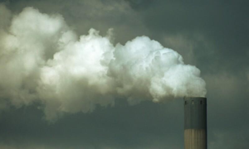 Las 10,000 mayores fábricas y centrales de energía de Europa gastaron entre102,000 y 169,000 millones de euros en tema de salud. (Foto: Thinkstock)