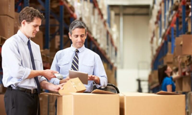 Los directores de compras y gerentes de logística pueden aspirar a salarios anuales desde 900,000 pesos hasta 1.9 millones de pesos. (Foto: Shutterstock )