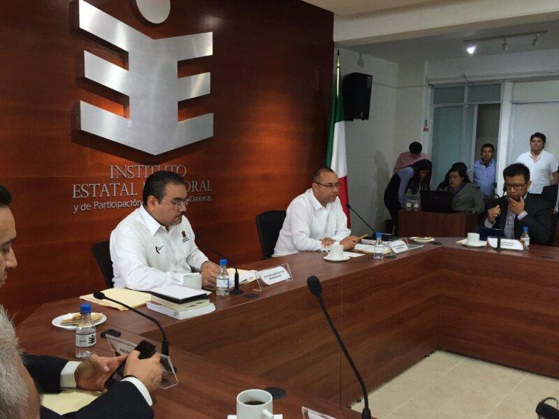 La violencia registrada en los últimos días prende las alertas en el Instituto Estatal Electoral de Oaxaca ante el próximo proceso electoral.
