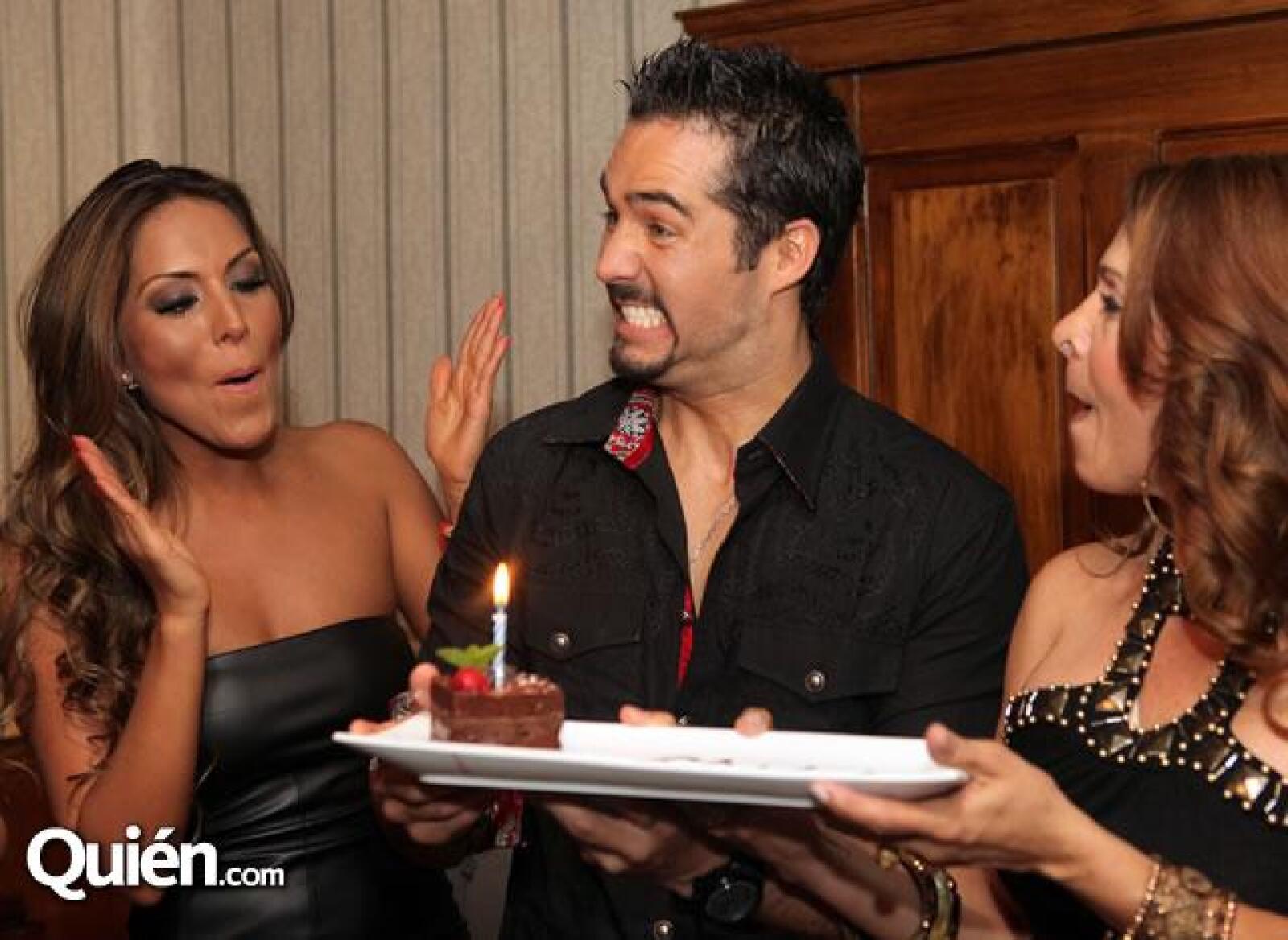 Karla Pineda,José Ron,Martha Vazquez