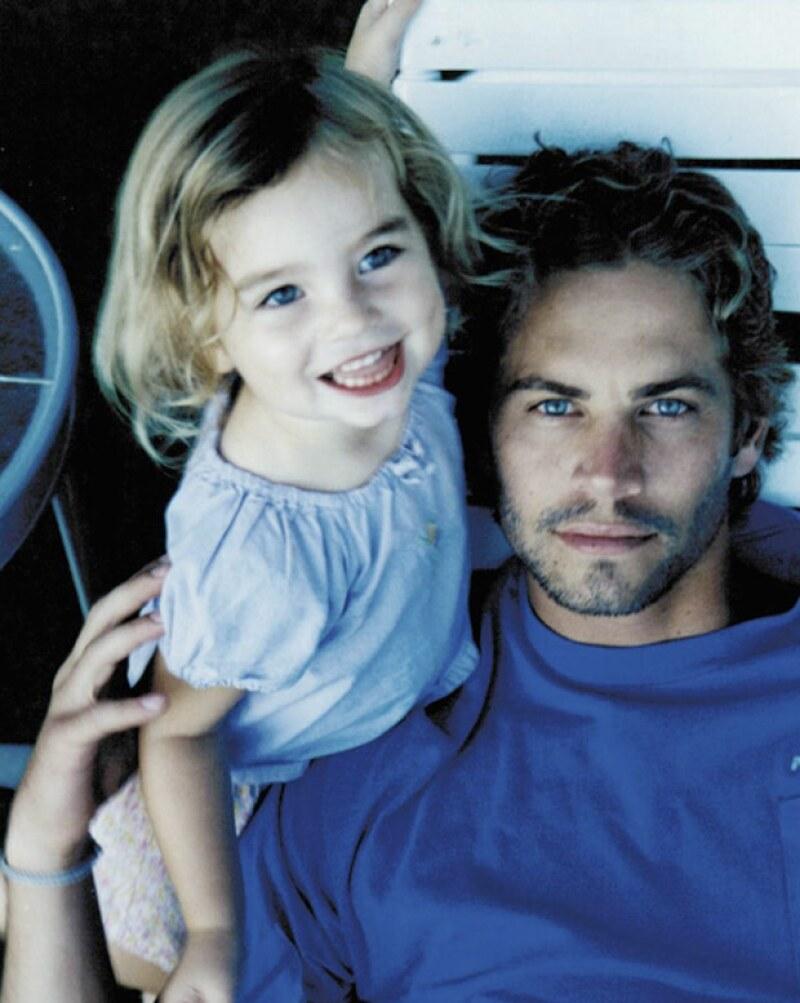 En varias ocasiones, la hija del actor ha publicado en sus redes sociales foto de su infancia junto a su papá.