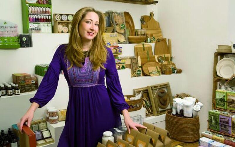 Karen Coronado creó una tienda que se especializa en objetos prácticos y eco-conscientes pero con estilo.