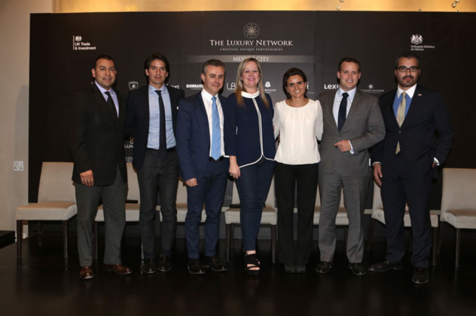 Héctor Ávila,Abelardo Marcondes,Jon Scooter,Yolanda Ruiz,Ingrid de Barrios,Chris Maskell,José Luis Rodríguez