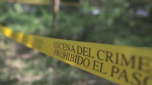 Autoridades identifican ropa de niños en un fosas clandestinas de Veracruz