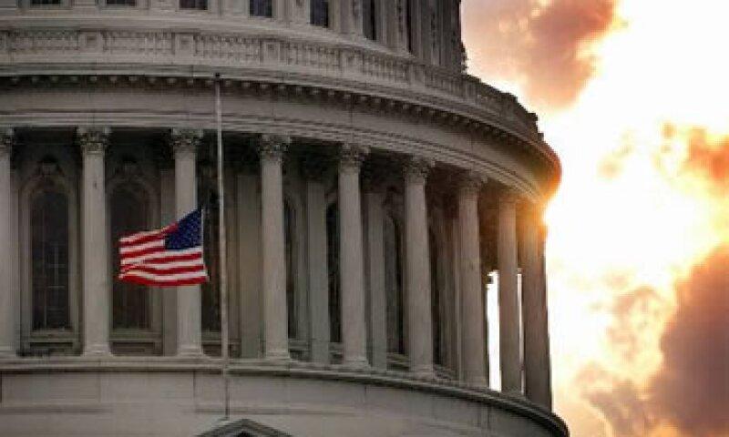 La Oficina de Presupuesto presentó los datos a la comisión del Congreso que intenta recortar el déficit federal. (Foto: AP)