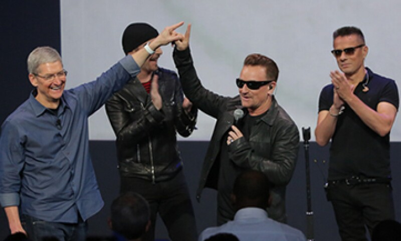 La banda irlandesa U2 tuvo una presentación estelar durante el evento de Apple. (Foto: tomada de apple.com)