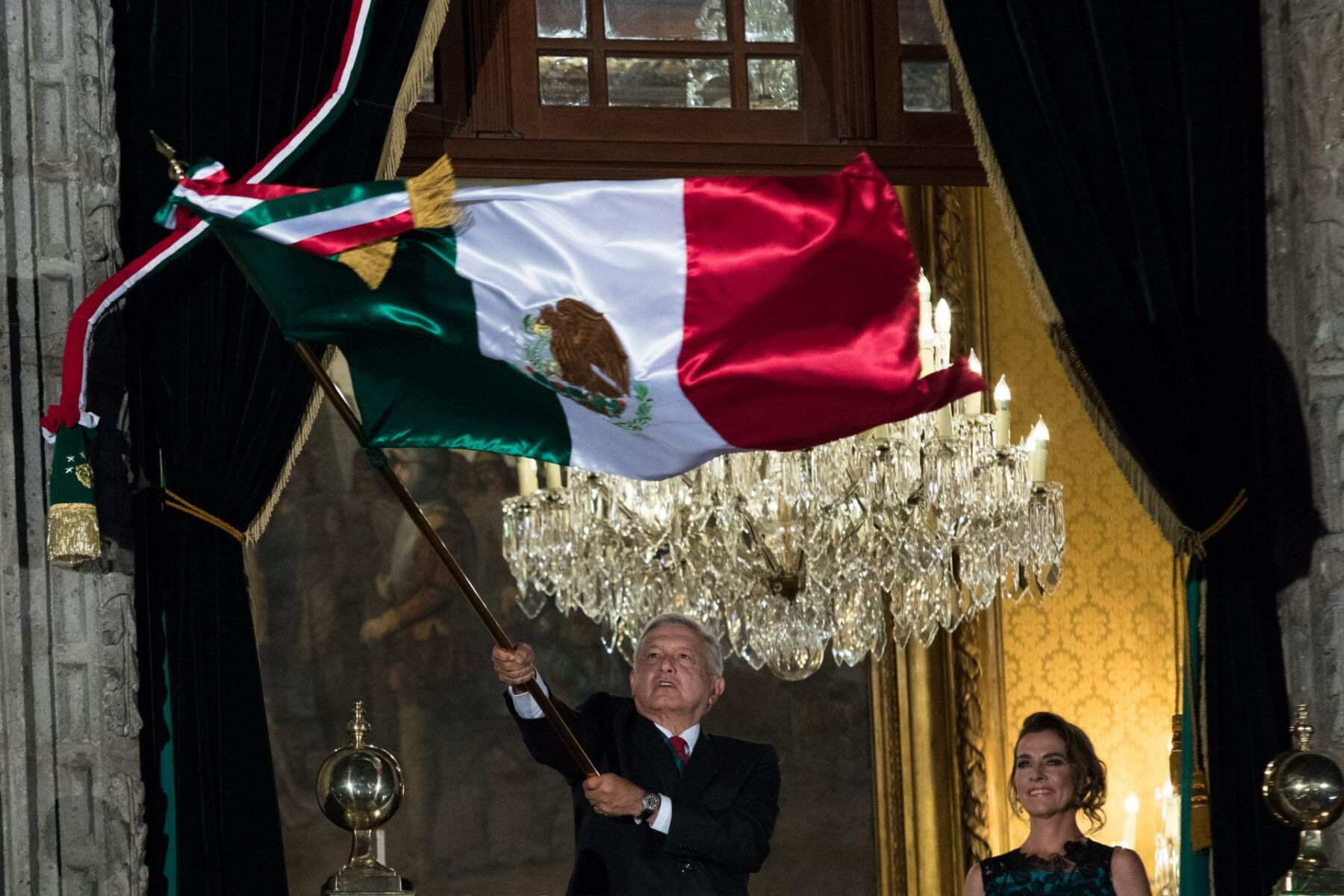 CIUDAD DE MÉXICO, 15SEPTIEMBRE2019.- Andrés Manuel López Obrador, Presidente de México, encabezó el grito de Independencia. FOTO: MOISÉS PABLO /CUARTOSCURO.COM