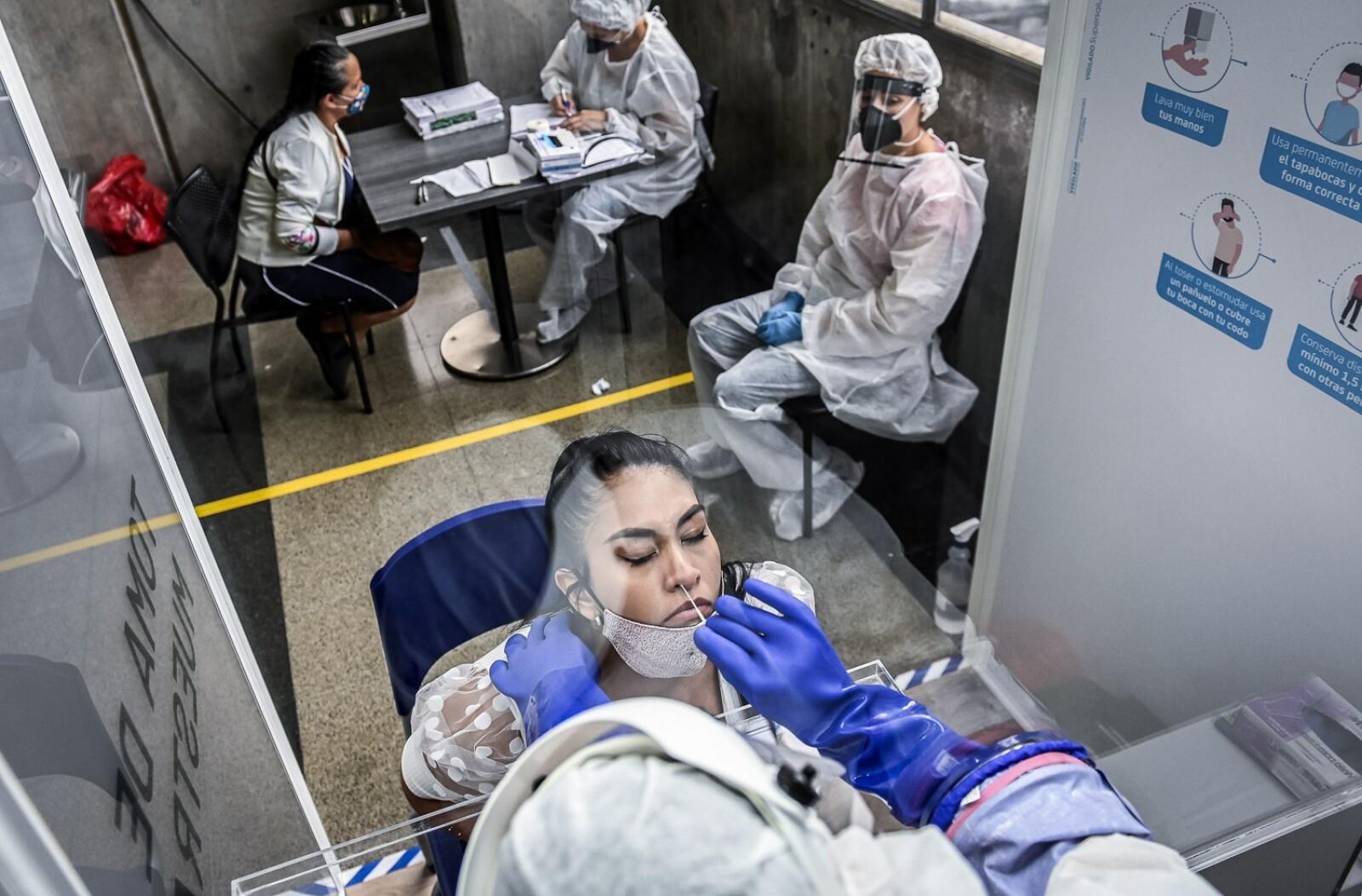 COLOMBIA-HEALTH-VIRUS-TEST