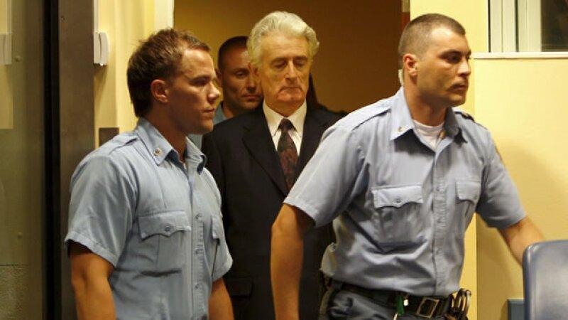 Radovan Karadzic posponen su juicio