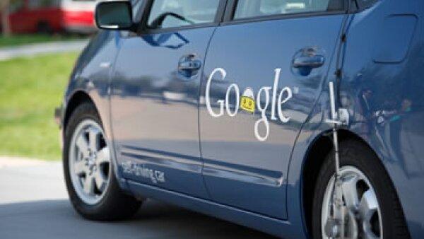 Uno de los vehículos autónomos con conductor que prueba Google en Estados Unidos. (Foto: Augie Martin/CNN )