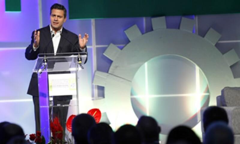 Enrique Peña Nieto tendrá una reunión privada con el fundador y presidente del WEF, Klaus Schwab. (Foto: Notimex)