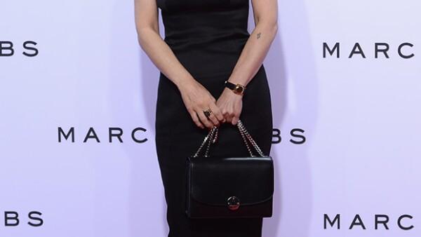 Tras años de ausencia, la actriz asistió al show de Marc Jacobs en New York Fashion Week y ha causado gran intriga pues pareciera que ha encontrado la fuente de la eterna juventud.