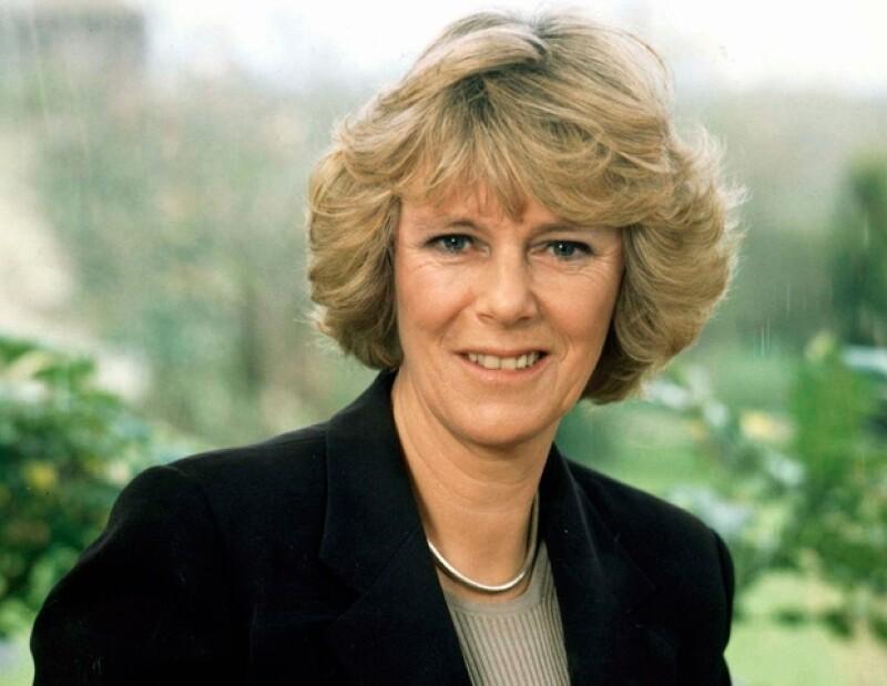 La primera en mantener una relación, pese a que fuera clandestina, con Carlos de Inglaterra fue Camilla Parker Bowles.