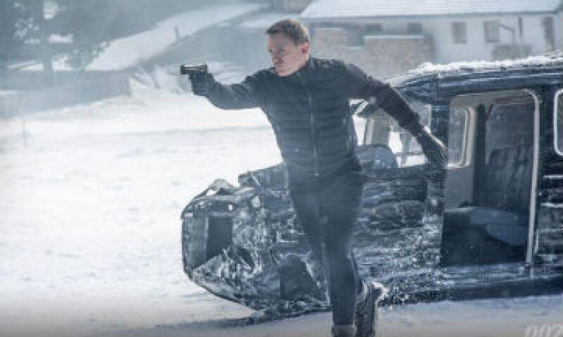 """Daniel Craig da vida a un James Bond """"humanizado y vulnerable"""" que le dio al personaje cierta relevancia, según un crítico del cine (Foto: Twitter/@007 )"""