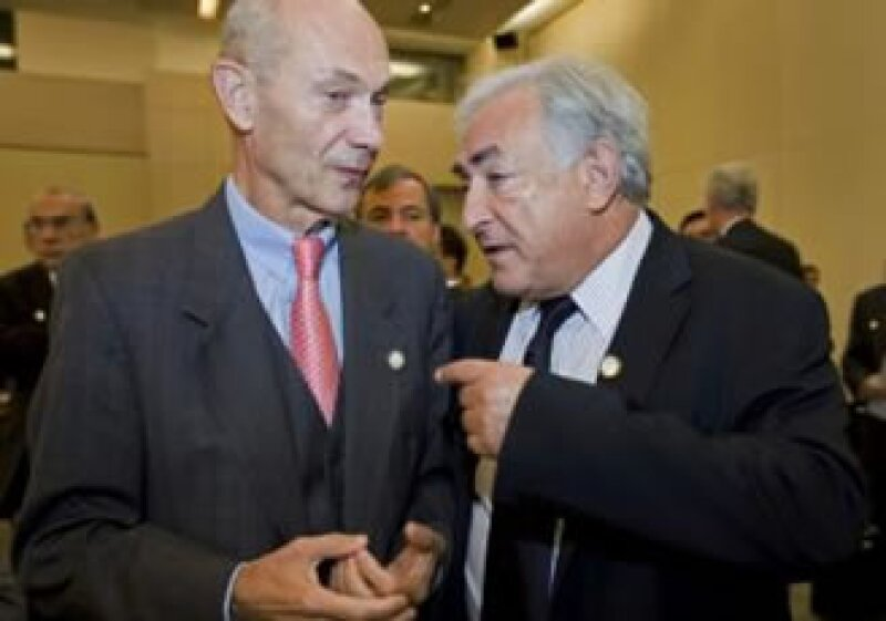 El secretario general de la OMC, Pascal Lamy, y el director gerente del FMI, Dominique Strauss-Kahn, en la reunión en Estambul. (Foto: Reuters)
