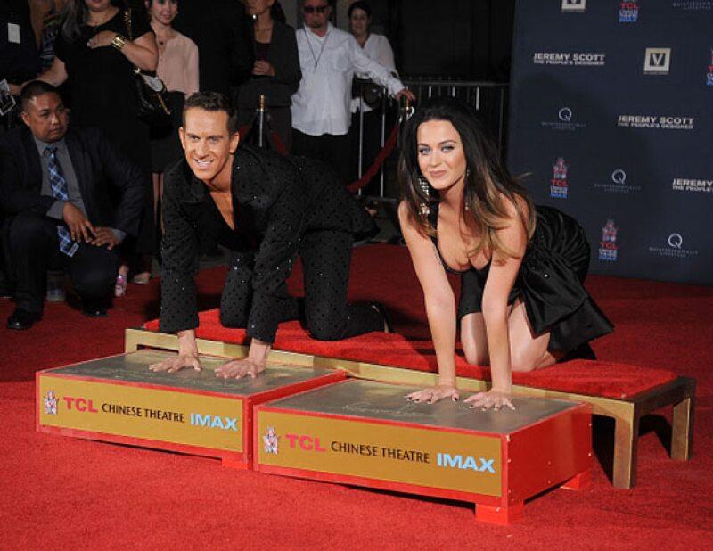 Junto con Jeremy Scott, otro de los protagonistas del documental, Katy hizo gala de su presencia en la premiere.