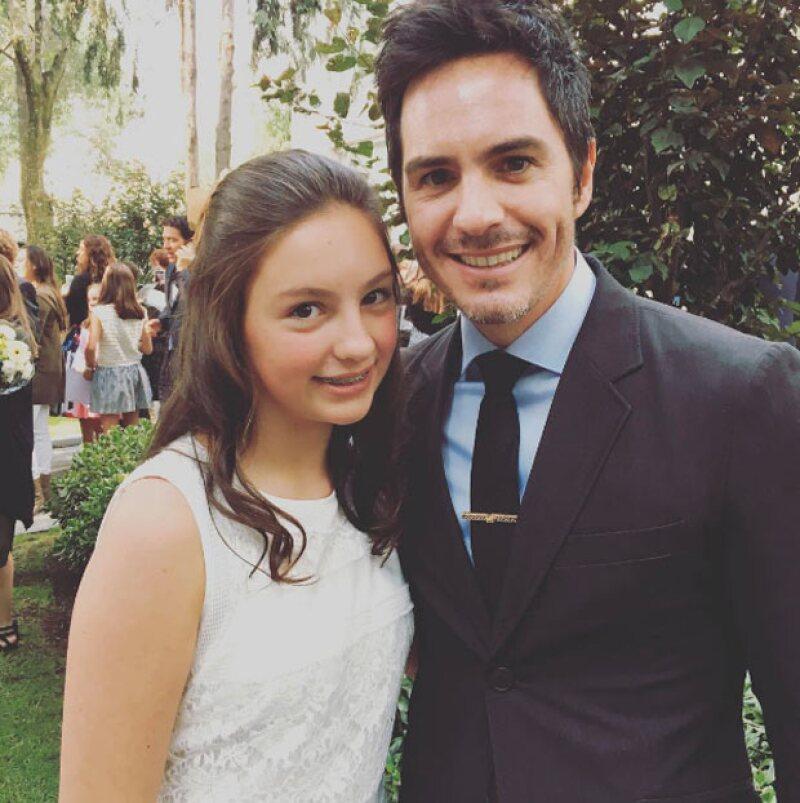 El actor no puede estar más realizado personalmente, pues a dos semanas de haberse casado con Aislinn Derbez, ahora se muestra de lo más orgulloso de su hija.