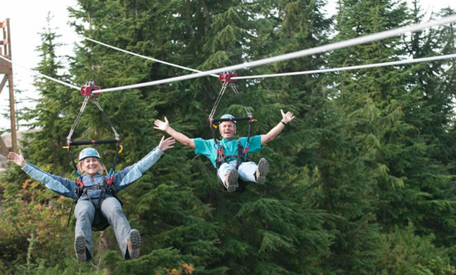 Sigue en contacto naturaleza y visita la Grouse Mountain, en donde podrás practicar varios deportes extremos como tirolesa, escalada y rappel.