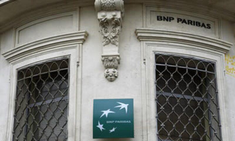 BNP Paribas podría recibir una sanción que le impida convertir divisas extranjeras a dólares. (Foto: AFP)